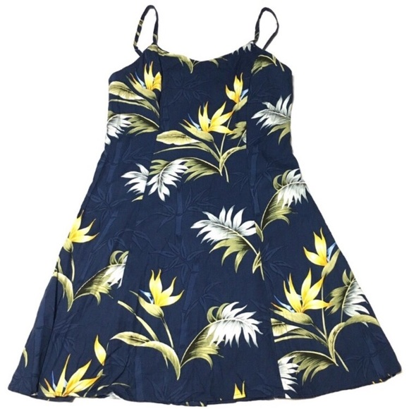 376131e5 Paradise Found Hawaiian made mini dress size Med. M_5cb1f48d29f0305aeb825845
